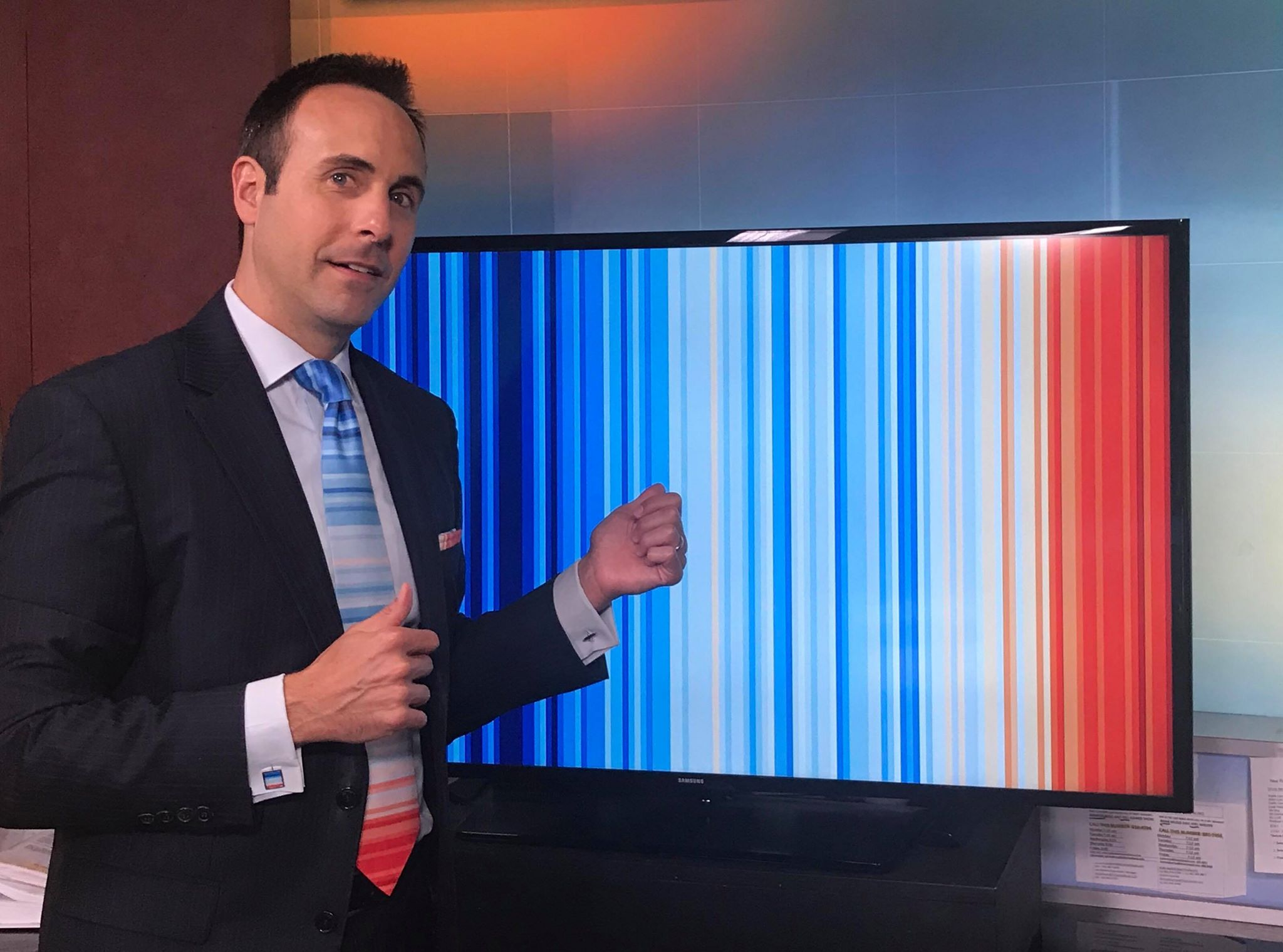 Jeff Berardelli with Warming Stripes for #MetsUnite